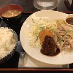東京厨房 - 3/27の本日のオススメ)「和風豚焼肉とカニクリームコロッケ」