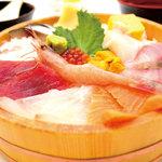 海鮮茶屋 濱膳 - 料理写真:名物!海鮮桶ちらし