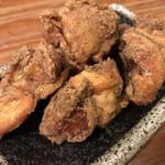 麺飯食堂 三羽鴉 - 自家製鶏からあげ♪ 490円