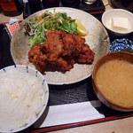 赤坂 ぽん輔 - 鶏唐揚げ定食(790円)