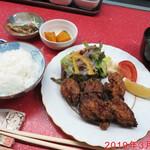 トルション - 料理写真:チキン唐揚げ定食 \900