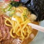 ラーメン山岡家 - 麺アップ