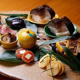 日本料理の伝統と独自の華やかさが見事に共存した懐石料理