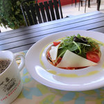 デンマーク・ザ・ロイヤルカフェ テラス - 料理写真:なすとベーコンのトマトパスタ(ドリンクセット)
