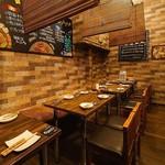 お肉と私の酒場 ハセガワ - テーブル20名様×1