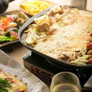お肉と私の酒場 ハセガワ - 鉄板焼き チーズフォンデュ