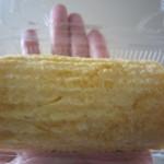 本玉小島 - ス巻き玉子焼き440円の半分のサイズ