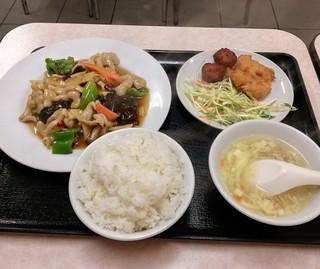中国料理 新華 本店 - 豚の大腸ピリ辛炒めセット