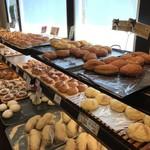 マナレイア - カレーパンや、きなこパンなどどれも美味しそうです!(2019.4.1)
