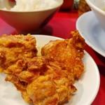 特製ラーメン 大中 - 鶏唐揚げのUP。
