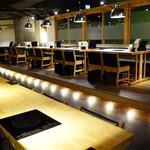 串と水炊博多松すけ - お洒落な店内。個室もあります。