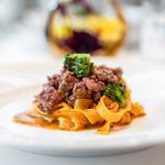 リストランテ・イ・ルンガ - サフラン風味のタリアテッレ サルシッチャのラグーソース