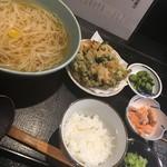長太郎 - 稲庭うどん、かき揚げ定食