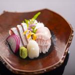 加賀屋 - 料理写真:能登の寒ぶり御造り