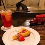 コリシモ - 料理写真:いちごの焼きタルト(500円)