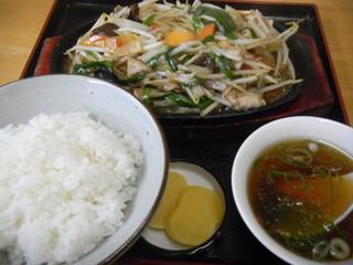 大勝食堂 - スタミナ定食 750円
