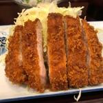 うめぇら食堂 - 三島もち豚とんかつ定食 980円。