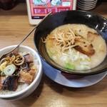 104855615 - とんこつラーメン+チャーシュー丼2019.03.29