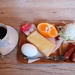 喫茶 charm - 料理写真:モーニング(全体)