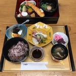 仕出し 板前料理 いそじ - 料理写真:お昼の御前  ¥1300