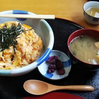 御食事処 たお - 料理写真:かつ丼(970円)