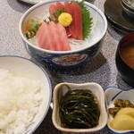 魚佐 - まぐろさしみ定食