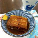 隠れ岩松 - 長崎豚角煮(¥842)。脂身は比較的少なくてあっさり、醤油強めの甘辛系