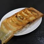 104870230 - 焼き餃子