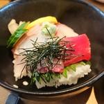 104872497 - 海鮮丼