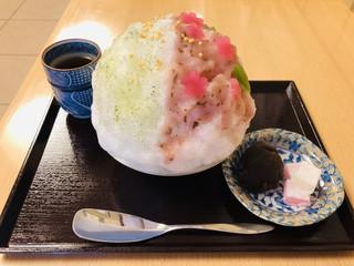 二條若狭屋 寺町店 - 桜のシロップと煎茶のシロップのハーフ&ハーフ☆彡