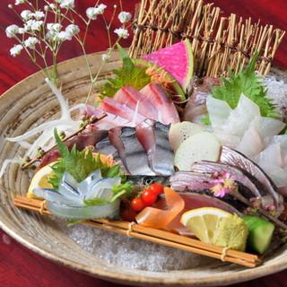 旬の鮮魚を堪能できる4種刺盛
