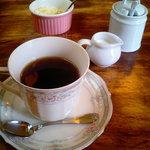 ファッティーズ - ランチセットのホットコーヒー