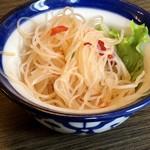 八重洲さくらst. 海老バル リッチパクチー - 前菜の春雨サラダ