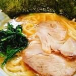 竹三郎 - ラーメンはシンプルな家系。