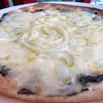 ノーコンセプト - 海苔と玉葱のクリームピッツァ