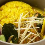CHIKYU FARM TO TABLE - 地元産赤玉ねぎとココナッツマスタードソースのサバカレー