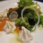 レストラン フィーネ - 料理写真:自家製ノルウェーサーモンの燻製 えびイモのフォンダン