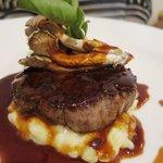 レストラン フィーネ - 特撰牛フィレ肉のステーキ トリュフのソース