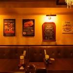 ベルギービールバー 麦酒本舗 - シート席