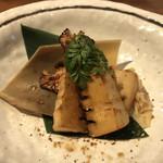 104926647 - 筍の山椒焼き。ちょっと濃い味付けだが美味いね。