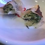 餃子家 龍 - パセリ餃子断面 お味は緑緑してないから食べやすい