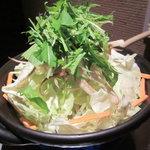 鶏と肴と陶板鍋 囲 - 陶板鶏鍋¥1980