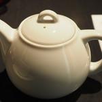 104931806 - 巨峰の紅茶2