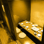 天晴 - 2階の個室は全席掘り炬燵となっており、くつろぎの空間でごゆっくりどうぞ。