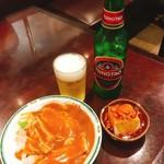 飲茶居酒屋 大福源 - バンバンジー[580円→340円]と青島ビール[450円]&お通しの肉味噌のせ豆腐