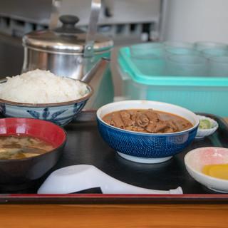 永井食堂 - 料理写真:2019.4 もつ煮定食(590円)