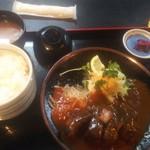 肉の丸小 - 料理写真:ハンバーグ定食980円♪