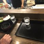 山海楽酒 およよ - 配膳場