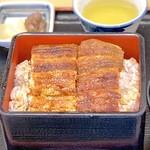 かいだ屋 - うな重(中)2/3本入り サラダ付き(2,660円)