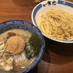 兼虎 - 濃厚つけ麺880円